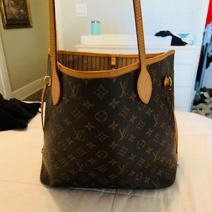 Louis Vuitton Neverfull  MM (authentic and real)